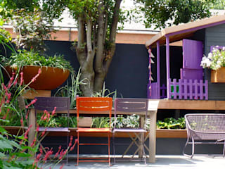 Funky Family Garden in Chiswick Eclectic style garden by GreenlinesDesign Ltd Eclectic