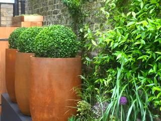 eclectic Garden by GreenlinesDesign Ltd