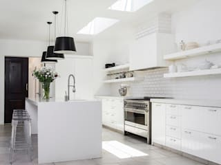 Chefs Kitchen: classic Kitchen by W Cubed Interior Design