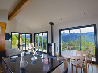 Maison Ossature Bois Pyrénées- IGNAUX:  de style  par Falco Construction Bois