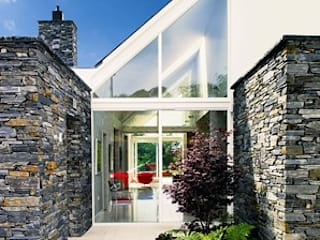 Case in stile in stile Moderno di Jane D Burnside Architects
