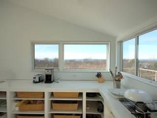 Montauk House:  Windows by SA-DA Architecture