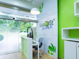 VIVA FIT:  Gym by ABHISHEK DANI DESIGN,