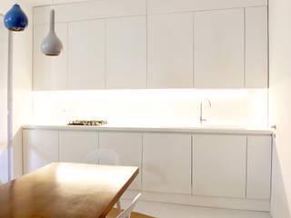 Kitchen by OKS ARCHITETTI, Minimalist