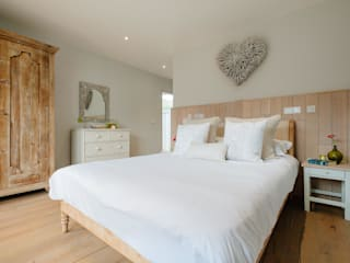 Treasure House, Polzeath | Cornwall Perfect Stays Rustic style bedroom