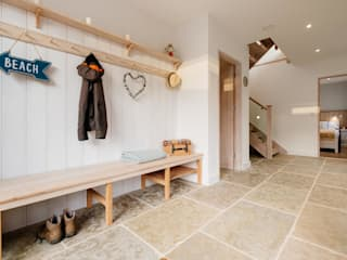 Treasure House, Polzeath | Cornwall 鄉村風格的走廊,走廊和樓梯 根據 Perfect Stays 田園風