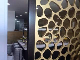 Restaurante S.João/Cantina da Faculdade de Medicina da Universidade do Porto: Escolas  por Área77 - arquitectura, engenharia e design, lda,Moderno