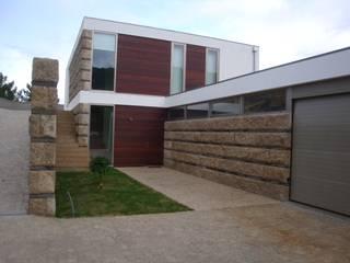 Moderne Häuser von Área77 - arquitectura, engenharia e design, lda Modern