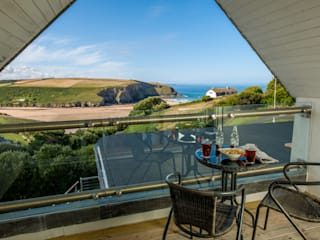 Headlands, Mawgan Porth | Cornwall Eclectic style houses by Perfect Stays Eclectic