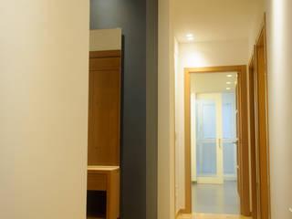 REFORMA DE PISO EN CULLEREDO 01 Pasillos, vestíbulos y escaleras de estilo moderno de CONTROL REFORMA Moderno