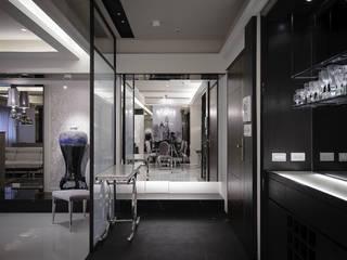 Modern corridor, hallway & stairs by 璞碩室內裝修設計工程有限公司 Modern