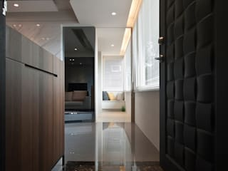 璞碩室內裝修設計工程有限公司が手掛けた廊下 & 玄関
