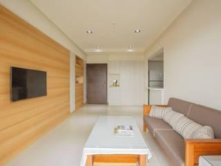 Modern living room by 森參設計 Modern