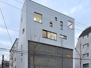 성산동 상가주택: 비온후풍경 ㅣ J2H Architects의  주택