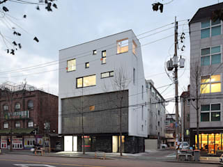 Houses by 비온후풍경 ㅣ J2H Architects