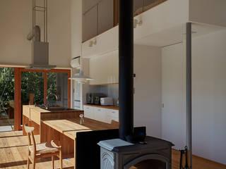湖沼に建つ家: toki Architect design officeが手掛けたダイニングです。