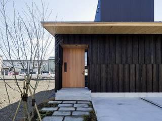 Asiatische Häuser von キリコ設計事務所 Asiatisch