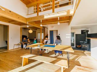 株式会社 建築工房零 Living room Wood