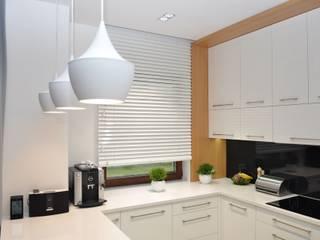 Nhà bếp phong cách tối giản bởi Gama Styl Tối giản