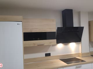 CACHO Estudio De Cocinas KitchenCabinets & shelves
