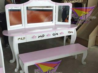 Hermoso tocador para tres princesas: Habitaciones infantiles de estilo  por camas y literas infantiles kids world