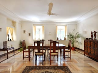 Colonial style dining room by Dhruva Samal & Associates Colonial