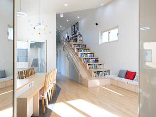 광주 원당리 보리네집: 오파드 건축연구소의  거실