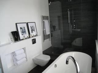 Dulwich Bathroom: classic Bathroom by Definitive Interior Design