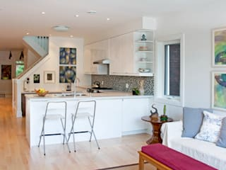 Roncesvalles Accessible House Modern kitchen by Solares Architecture Modern