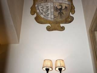 Decorazione parete corridoio:  in stile  di Demart Interior Decoration