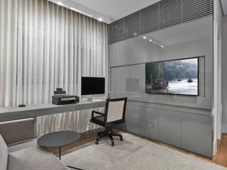 Escritório: Escritórios  por Alessandra Contigli Arquitetura e Interiores