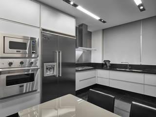 Cocinas de estilo moderno de Alessandra Contigli Arquitetura e Interiores Moderno