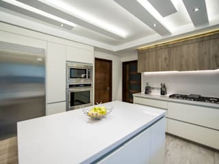 Modern kitchen by ESTUDIO TANGUMA Modern Quartz
