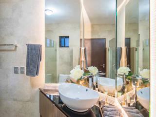 Modern bathroom by ESTUDIO TANGUMA Modern Wood Wood effect