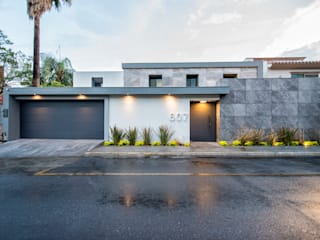 ESTUDIO TANGUMA Modern houses Marble Grey