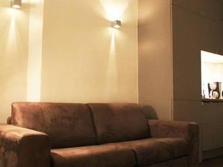 Coté séjour: Salon de style  par Jérome Picarat Architecte
