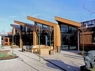 Uitbreiding personeelsruimte middelbare school Moderne scholen van OX architecten Modern