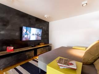 Sala de TV Salas multimedia industriales de Interiores B.AP Industrial Cobre/Bronce/Latón