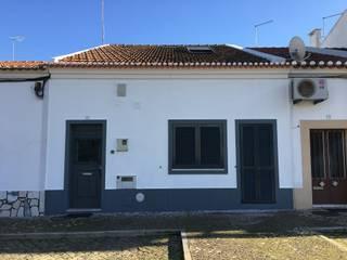 Casa em Benavente: Casas  por QFProjectbuilding, Unipessoal Lda,Rústico
