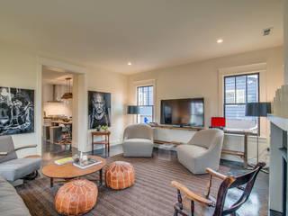 Living room by Pfeffer Torode Architecture