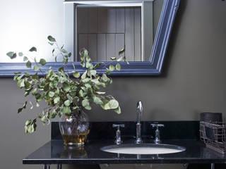 Bathroom by Pfeffer Torode Architecture