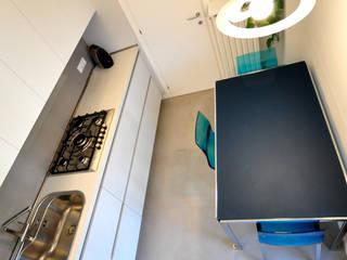 CASA BLUE D Cucina moderna di Valeria Sdraiati Moderno