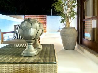 Vườn phong cách hiện đại bởi KARLA BARROS ARQUITETURA Hiện đại