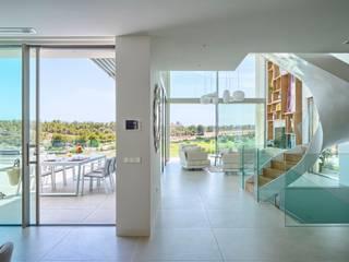 Salas de estilo mediterraneo de GESTEC. Arquitectura & Ingeniería Mediterráneo