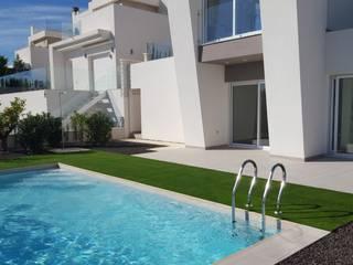 Piscinas de estilo mediterráneo de GESTEC. Arquitectura & Ingeniería Mediterráneo
