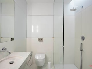 B.loft Minimalist bathroom