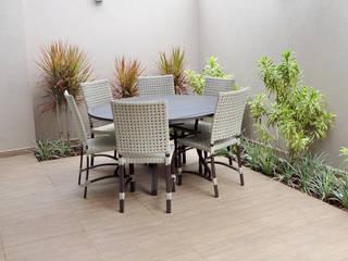Vườn phong cách mộc mạc bởi Paula Ferro Arquitetura Mộc mạc