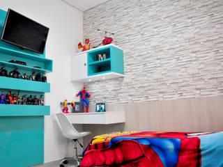 Phòng trẻ em phong cách hiện đại bởi Paula Ferro Arquitetura Hiện đại