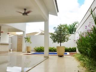 Klassieke huizen van Paula Ferro Arquitetura Klassiek