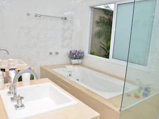 Klassieke badkamers van Paula Ferro Arquitetura Klassiek